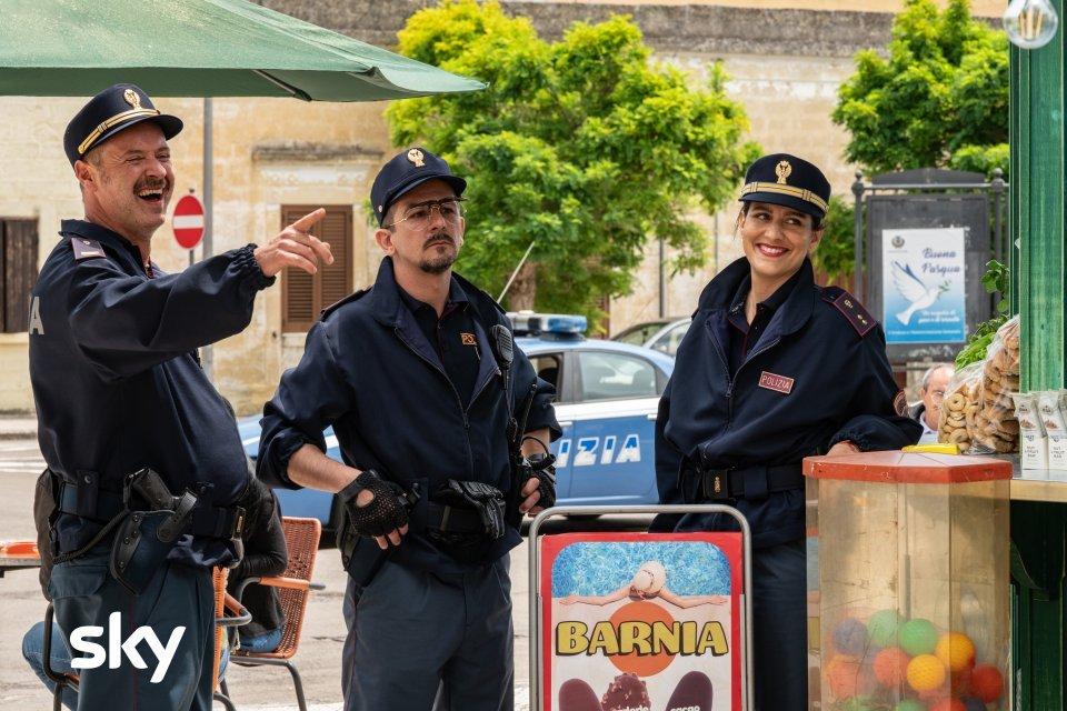 cops-–-una-banda-di-poliziotti--incontro-con-il-cast-del-film-trama-cast-quando-esce-streaming-nowtv-Film_Cops-_Una_banda_di_poliziotti44.jpg
