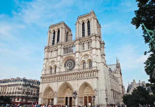 La-Francia-immagini-pexels-adrienn-1460145.jpg