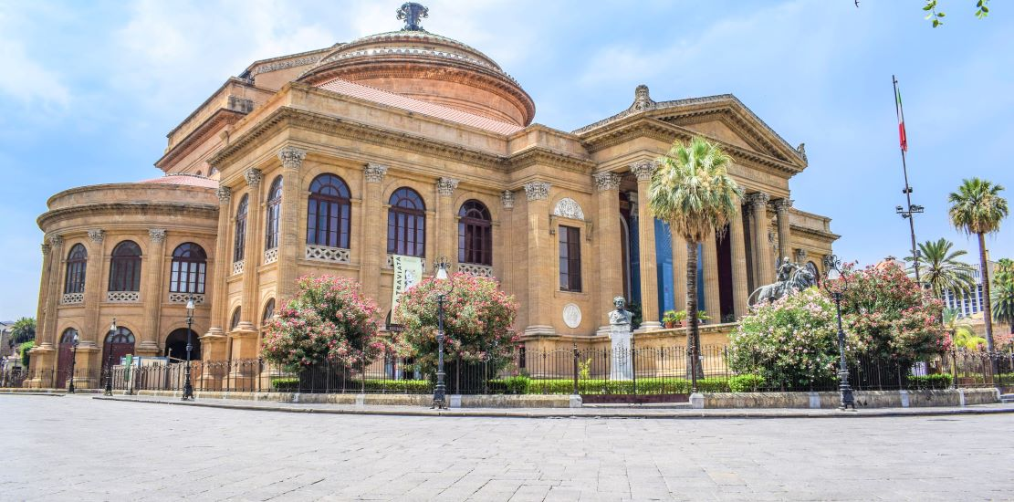 Gioielli da scoprire: sali a bordo del traghetto Napoli-Palermo