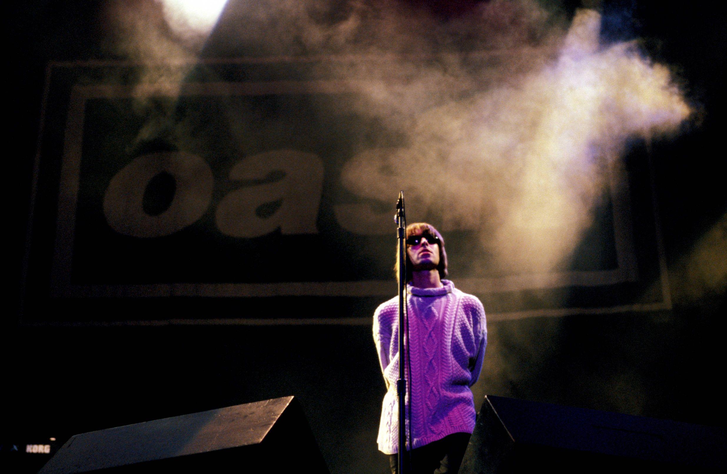 oasis-album-e-tour---immagini-Credit_Roberta_Parkin.Redferns_GettyImages-86098407_m.jpg