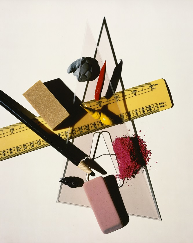 mostra-milano---irving-penn---immagini-Still_Life_With_Triangle_e_Red_Eraser.jpg